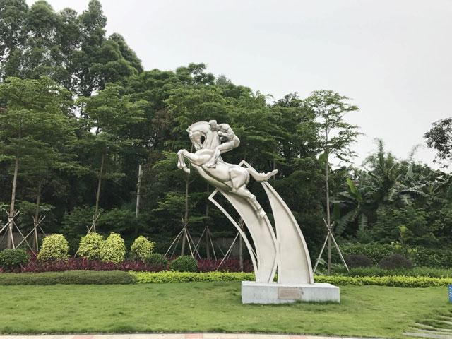 体育主题雕塑