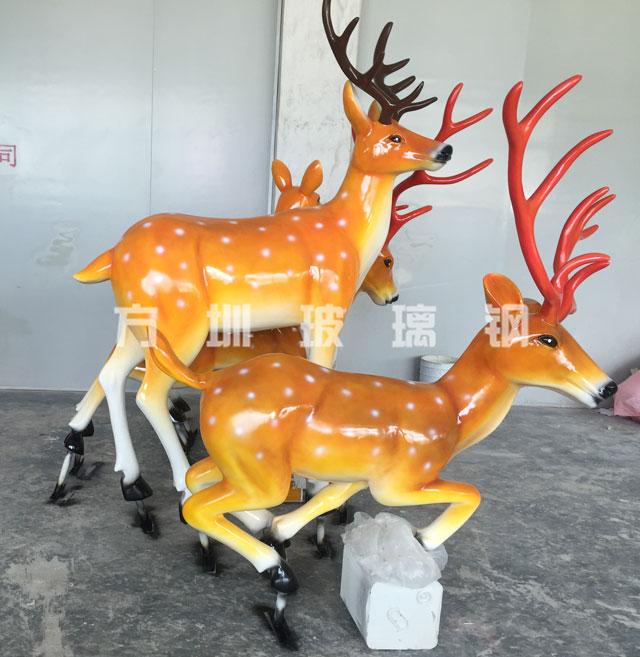 玻璃钢仿真鹿雕塑