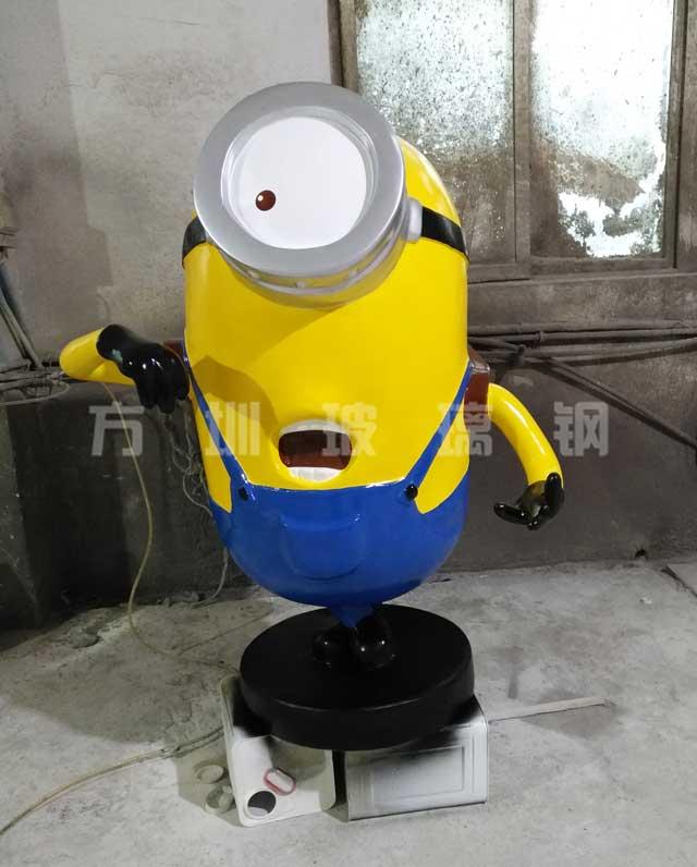 玻璃钢小黄人雕塑