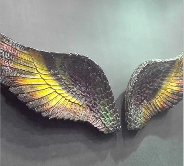 玻璃钢翅膀造型雕塑