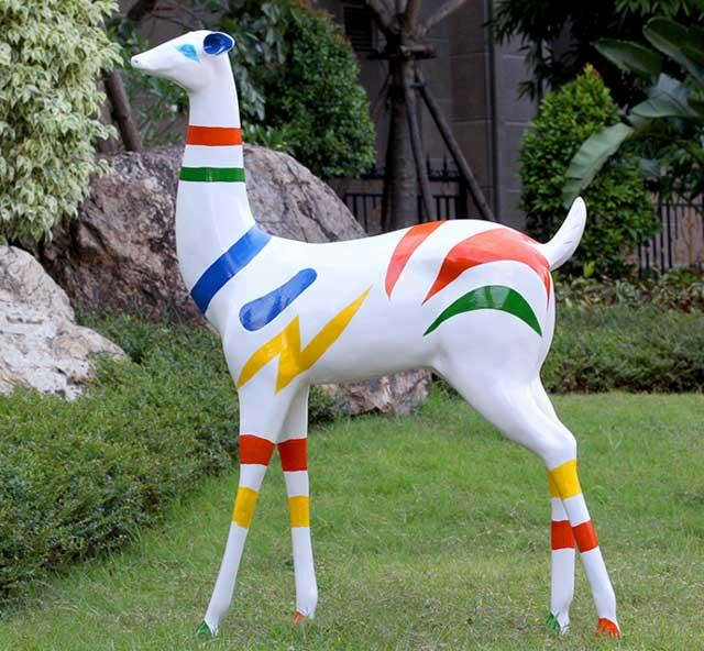 园林玻璃钢鹿雕塑