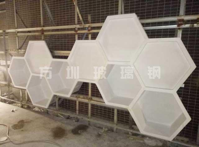 玻璃钢六边形造型雕塑