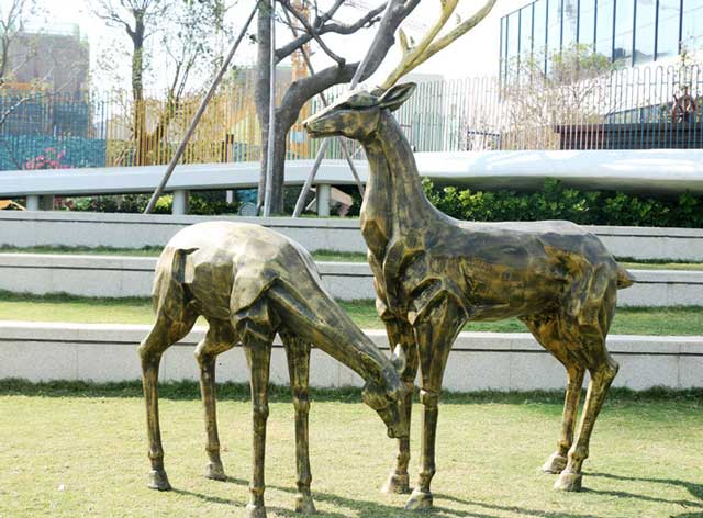 玻璃钢仿铜鹿雕塑