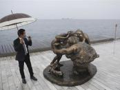中国雕塑家许鸿飞作品在希腊塞萨洛尼基市展出
