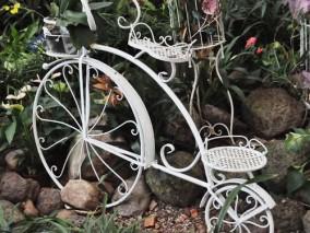 铁艺创意自行车雕塑